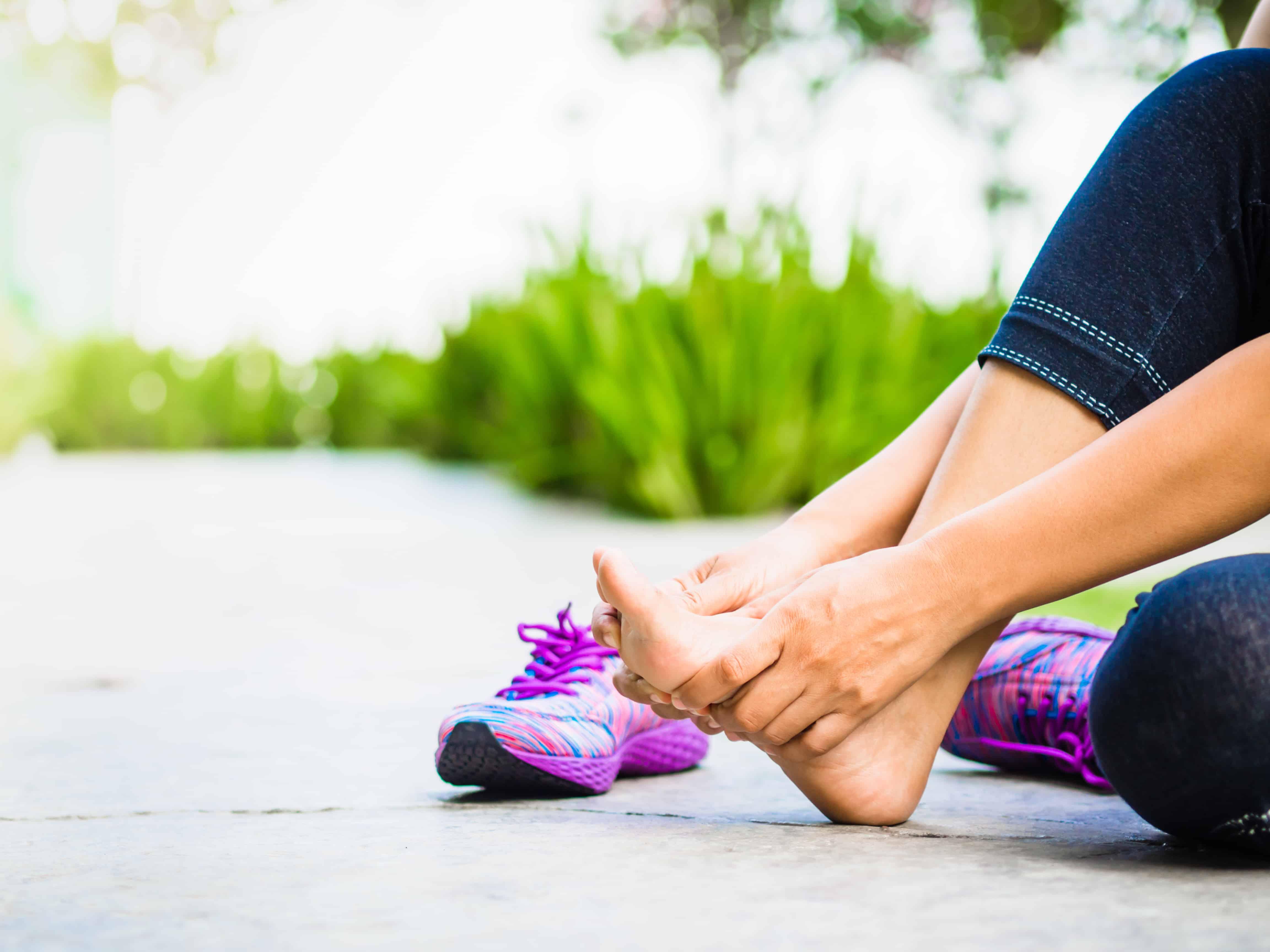 לאיזה יש כאבים ברזל בזמן ריצה בעקבות ציפורן חודרנית